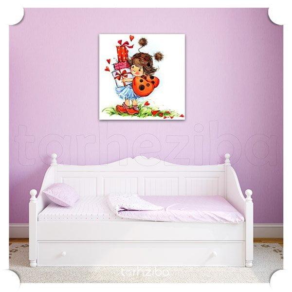 تابلو تزئینی دختر کوچولو با محبت